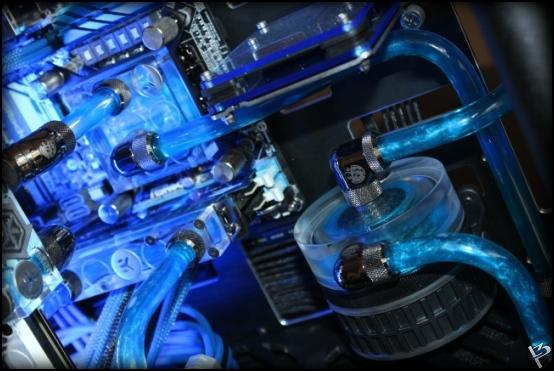 http://www.l3p.nl/files/Hardware/L3peau/Final/322%20%5B550xl3pw%5D.JPG
