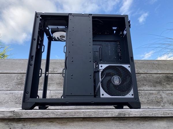 https://techgaming.nl/image_uploads/reviews/Metallic-Gear-Neo-Qube/Neo-Qube%20(31).JPEG