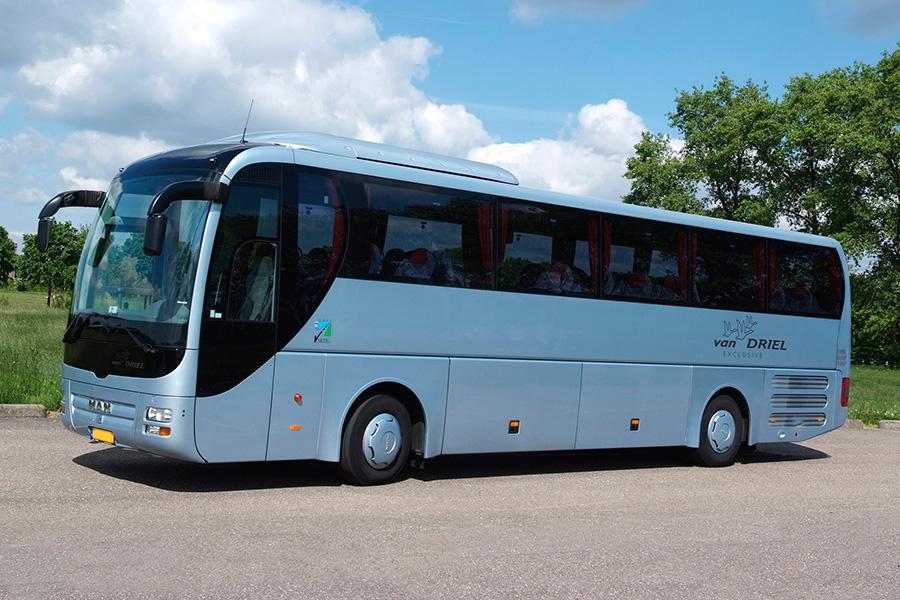 http://vandrielgroep.nl/wp-content/uploads/2015/05/touringcar-50-personen.jpg