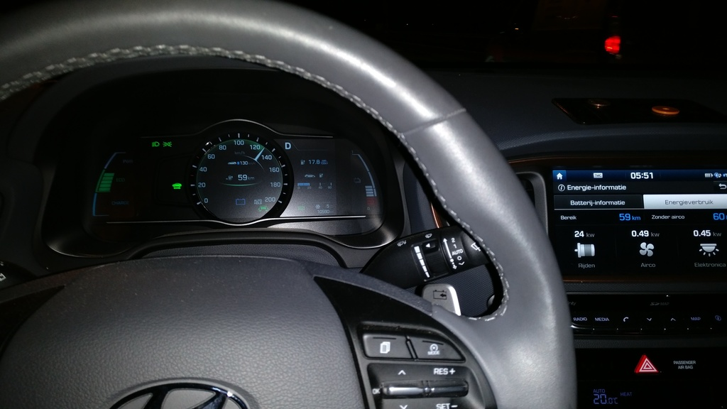 https://www1.picturepush.com/photo/a/15928786/1024/Hyundai-Ioniq-Electric/IMG-20171207-055242.jpg