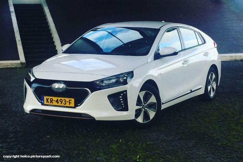https://www1.picturepush.com/photo/a/15521296/1024/Hyundai-Ioniq-Electric/msgy7lmb7dog-800.jpg