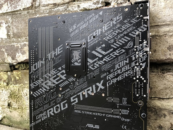http://techgaming.nl/image_uploads/reviews/Asus-ROG-Strix-H370-F/bestand%20(22).jpg