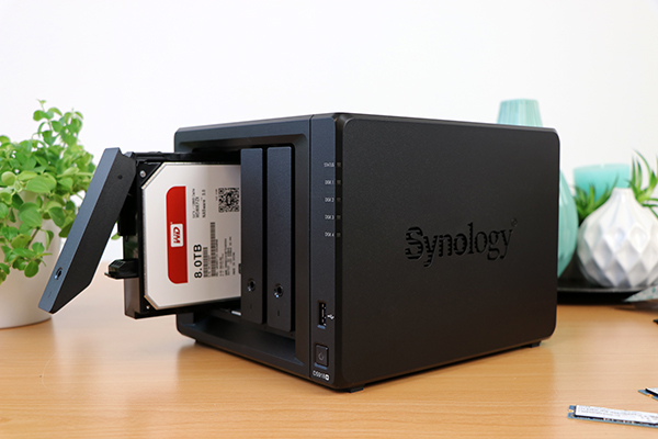 https://www.techtesters.eu/pic/SYNOLOGY918/616.jpg