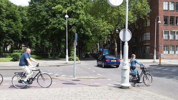 http://madice.home.xs4all.nl/Media/LGL90Crossing01B.jpg