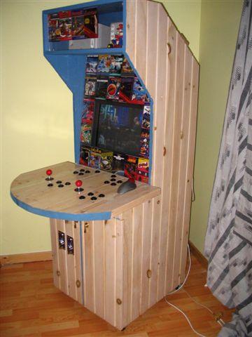 http://arcadecontrols.com/images/News/2007-01-26-woodonics.jpg