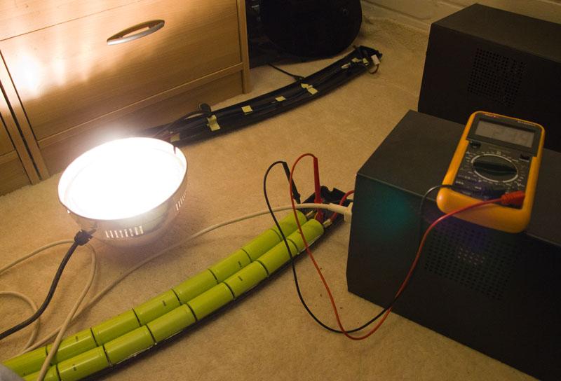 NiMh accu en een 200W lamp