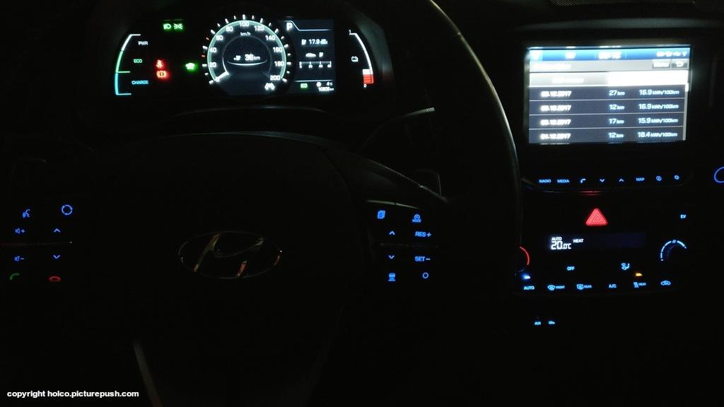 https://www1.picturepush.com/photo/a/15928795/1024/Hyundai-Ioniq-Electric/IMG-20171207-061351.jpg