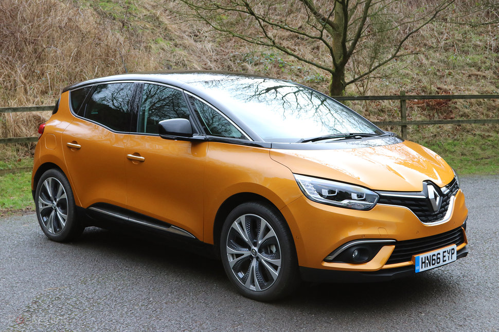 https://cdn.pocket-lint.com/r/s/970x/assets/images/140383-cars-review-renault-scenic-2017-review-image2-gokvfimm2h.jpg