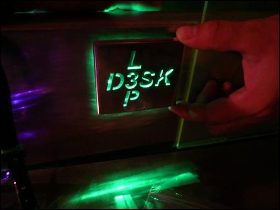 http://www.l3p.nl/files/Hardware/Deskmod/Progress/550px/P1030724%20%5B550x%5D.JPG