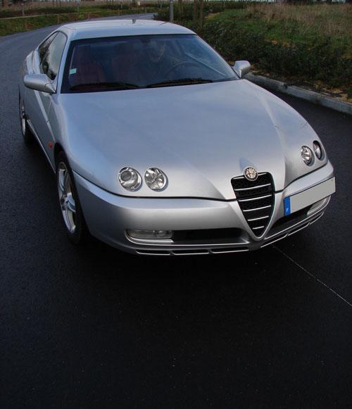 http://www.automobile-sportive.com/guide/alfaromeo/gtv3l2/gtv-ouverture2.jpg