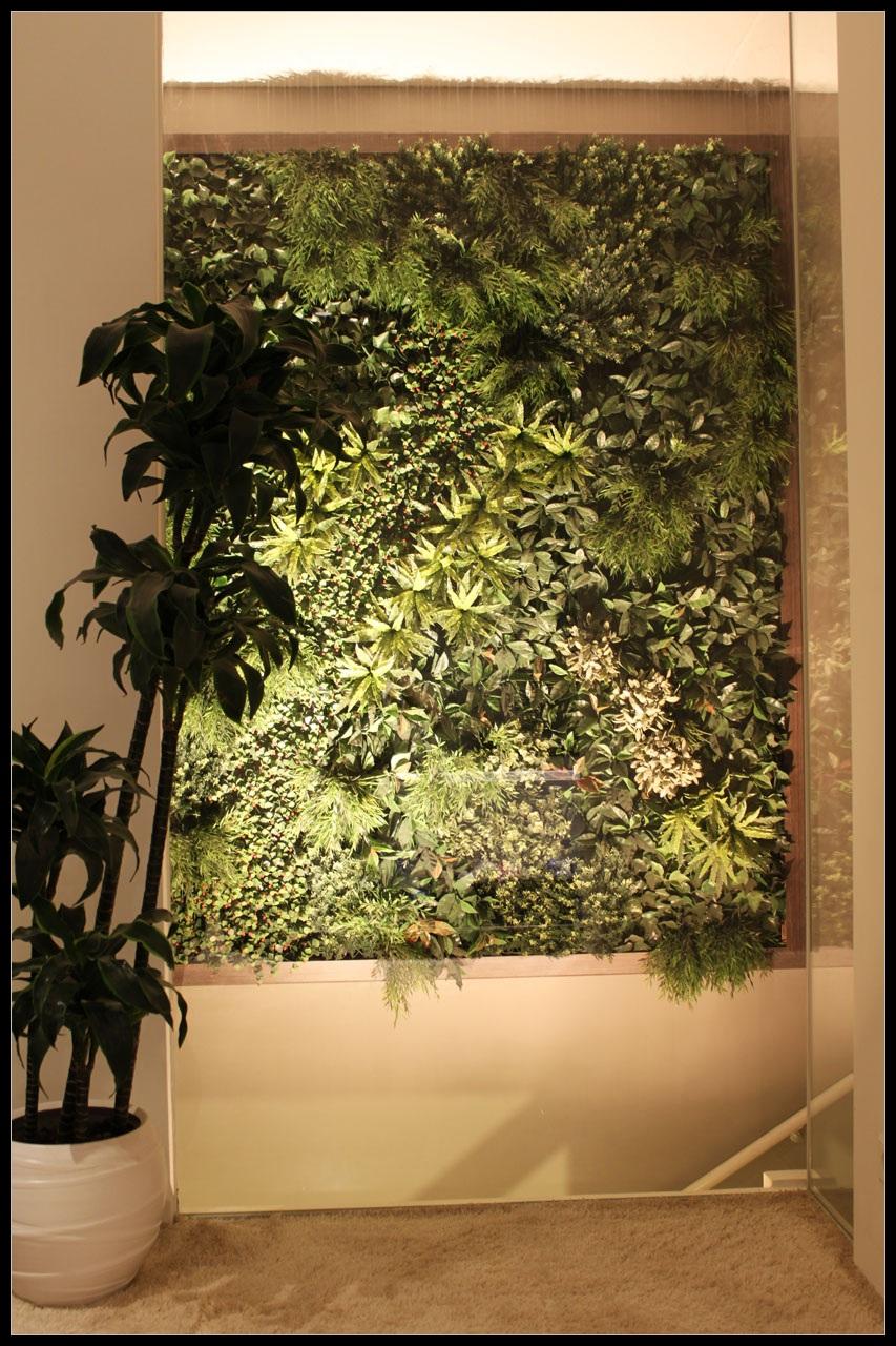 http://lumatronix.nl/FOK/Vertical_Garden_slaapkamer1.JPG