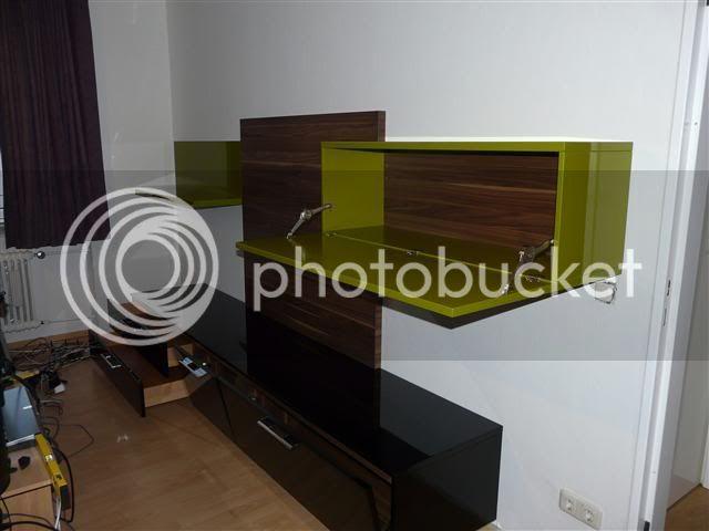 http://i231.photobucket.com/albums/ee38/SlasZ/Home%20Cinema/New%20setup/Small/P1050091Small.jpg