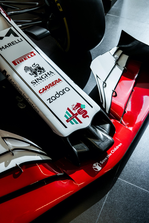 https://www.carscoops.com/wp-content/uploads/2021/09/2021-Alfa-Romeo-Racing-C41-F1-Monza-1.jpg