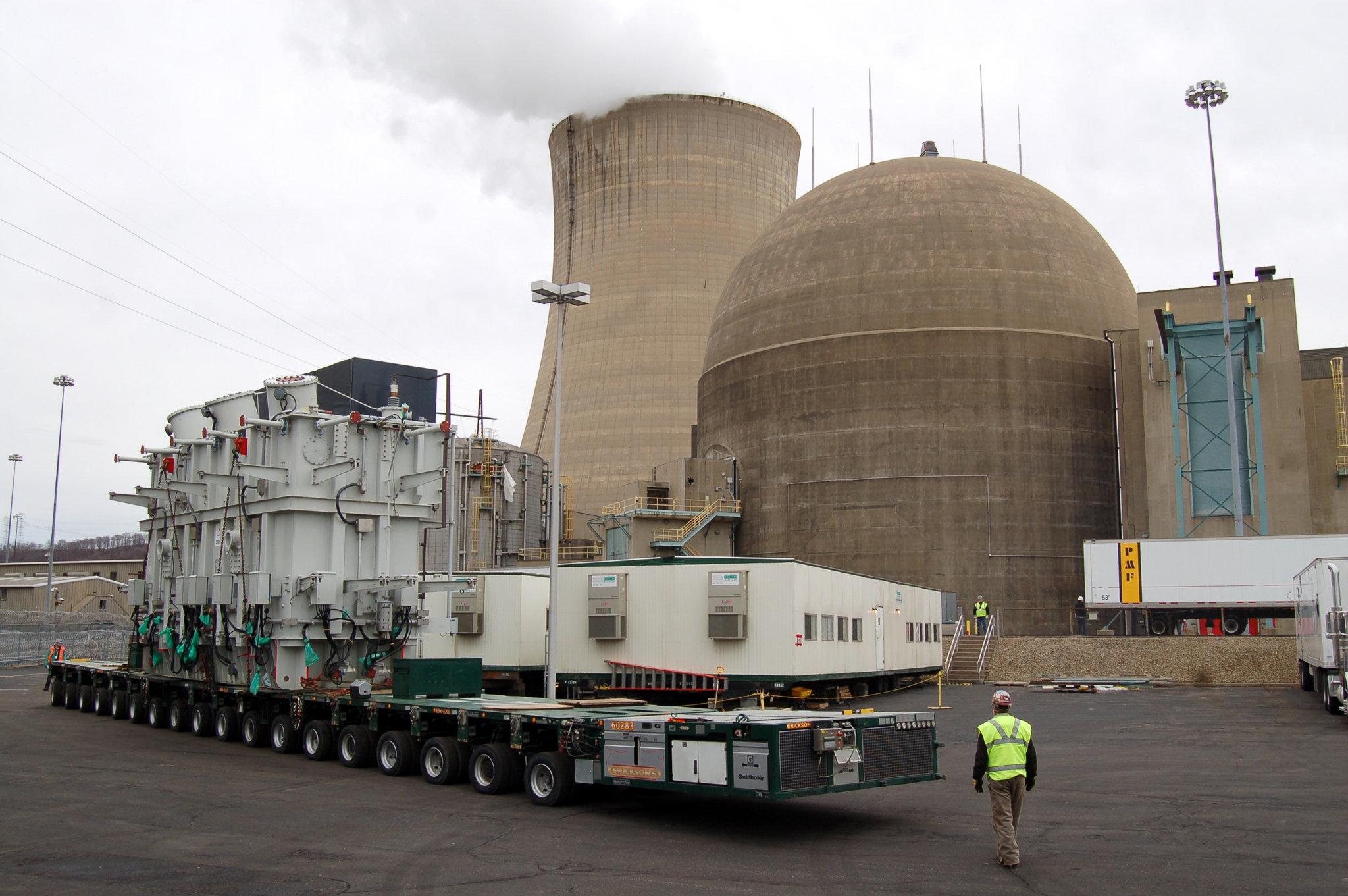 http://media.cleveland.com/business_impact/photo/beaver-valley-nuclear-reactor-transformerjpg-58e2b800d610daab.jpg
