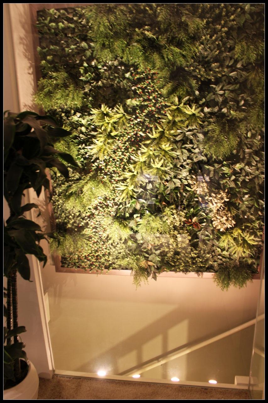 http://lumatronix.nl/FOK/Vertical_Garden_slaapkamer2.JPG