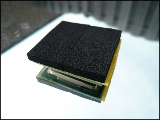 http://www.l3p.nl/files/Hardware/Cpu-lapping-2/550px/P1070916%20%5B550x%5D.JPG