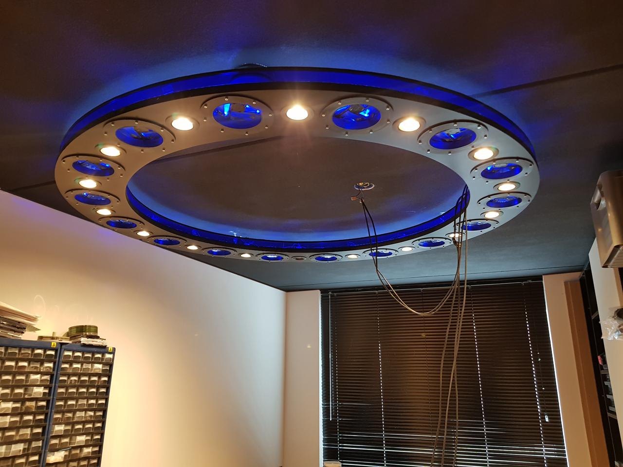 https://lumatronix.nl/FOK/Space_lamp1.jpg