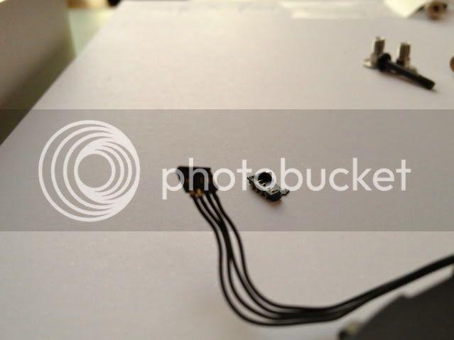 http://i166.photobucket.com/albums/u91/sjieto/IMG_2105.jpg