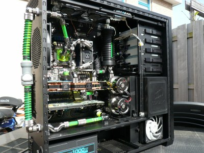 http://www.l3p.nl/files/Hardware/CorsairUnderground/EKmem2/P1030495%20%5B400%5D.JPG