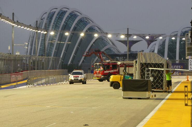 https://imgr2.auto-motor-und-sport.de/Impressionen-GP-Singapur-Formel-1-Mittwoch-13-09-2017--fotoshowBig-977a67b6-1118287.jpg