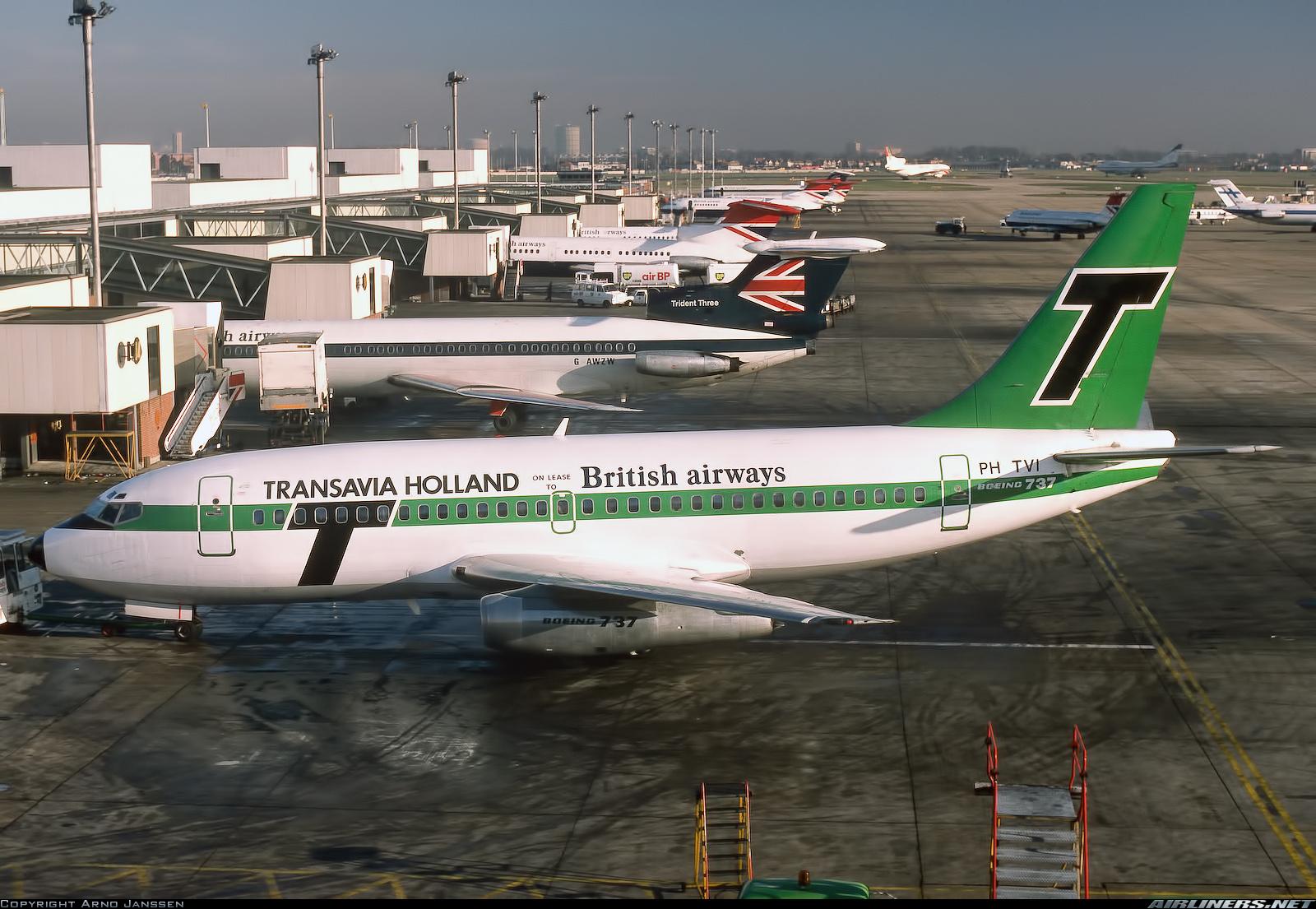 http://cdn-www.airliners.net/aviation-photos/photos/2/2/3/2051322.jpg