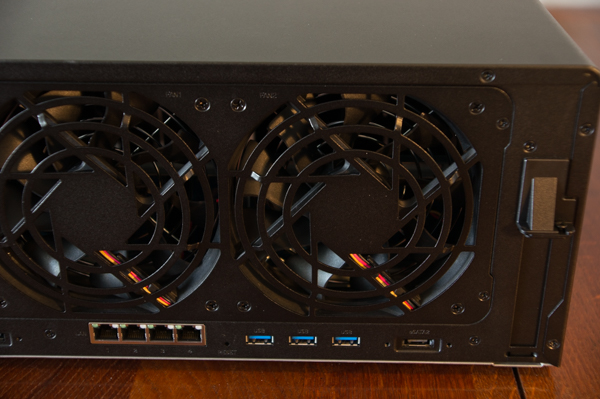 http://www.nl0dutchman.tv/reviews/synology-ds1817/1-44.jpg