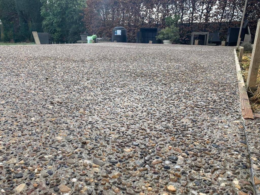 https://roosgroep.nl/app/uploads/2019/04/Uitgewassen-beton-in-Wemmel-1.jpg