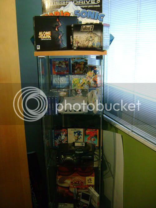 http://i885.photobucket.com/albums/ac53/retroverkoop/Room/DSC04522.jpg