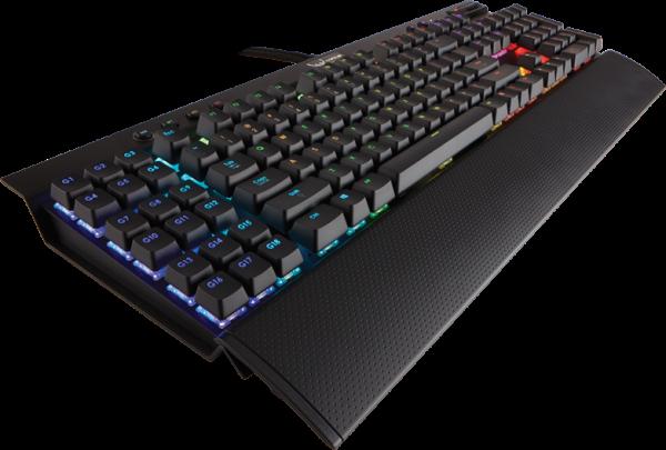 De Corsair Gaming K95 RGB had als eerste met individuele LED-verlichting op de markt kunnen komen, maar door een jaar vertraging moet die nu concurreren met de grote drie.