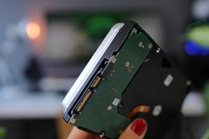 https://www.techtesters.eu/pic/SEAGATE14TB/x2t.jpg