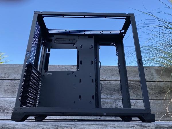 https://techgaming.nl/image_uploads/reviews/Metallic-Gear-Neo-Qube/Neo-Qube%20(19).JPEG