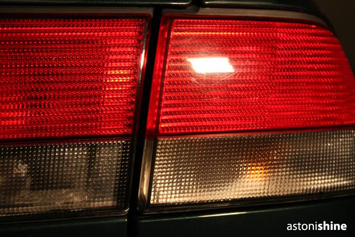 http://static.dennisenderink.nl/ad/saab_93_1009/achterlicht_voor.jpg