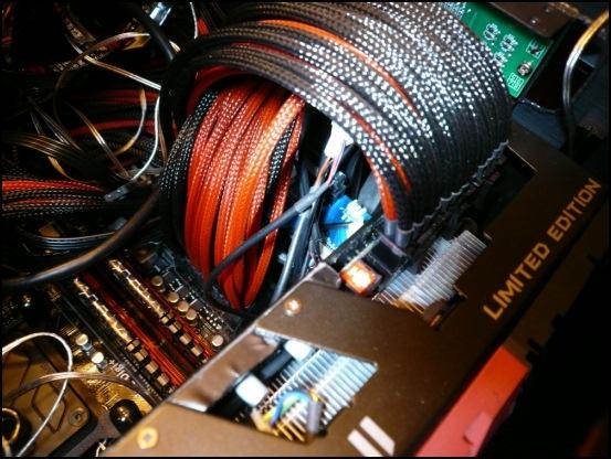 http://www.l3p.nl/files/Hardware/L3pL4n/Asus%20MARS%20II/P1090453%20%5B550x%5D.JPG