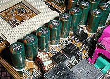 De stroomvoorziening op een Pentium 3 moederbord