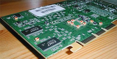 ATi Radeon 7500 achterkant