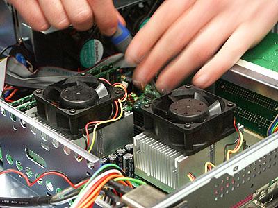 Server upgrades 21 nov: twee keer Athlon MP