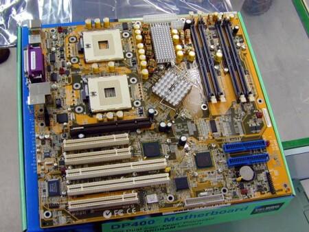 Iwill DP400 dual Xeon i860 moederbord