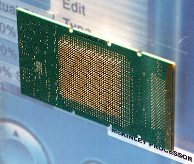 CeBIT 2002: Intel McKinley / Itanium sample