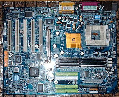 Gigabyte GA-7VRXP KT333 moederbord