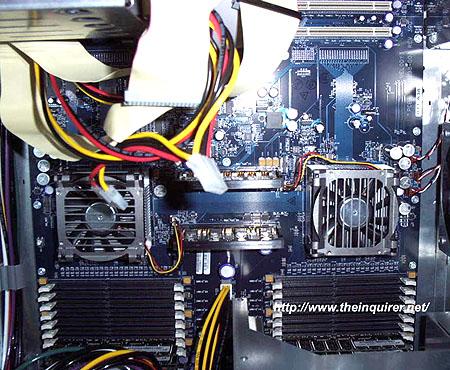 Dual AMD Opteron moederbord in kast