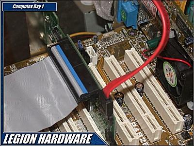 Serial ATA kabel naast standaard IDE