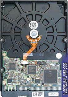 Achterkant IBM 120GXP schijf (nieuw)
