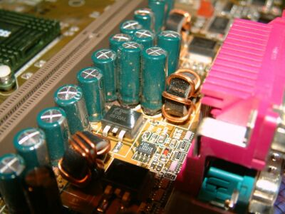 Slechte condensators op Abit moederbord