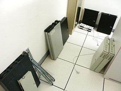 Server upgrades 31 aug: Servers uit rack