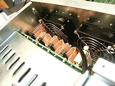 Server upgrades 31 aug: LVD kabels in CI Design kast