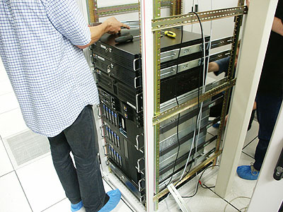 Server upgrades 31 aug: Nieuw rack halfvol