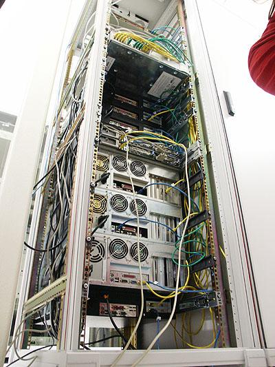Server upgrades 31 aug: Server toren van achteren