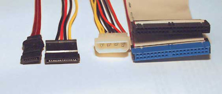 Ultra/ATA en Serial ATA connectoren naast elkaar