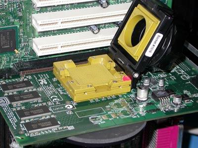 Socketed GPU voor testen bij nVidia