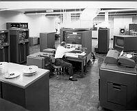 IBM 704 computerroom in LLNL (1956)